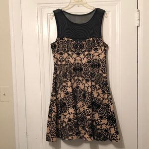 Cute Dress with black detail